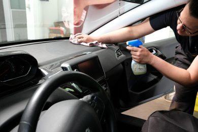Auto-Reinigung innen und außen